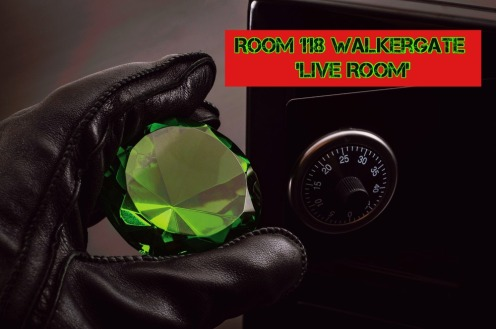Be-funky-118-live-room